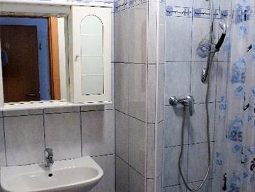 Badezimmer mit Dusche Tulln Pension